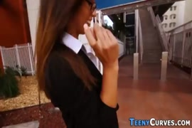 Estuprou a propria mae na lavanderia vídeo