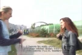 Vídeos de mulher transando com cachorro grudado