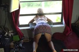 Videos porno mulheres esfregando no travesseiro