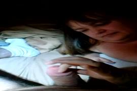 Garoto comendo a novinha na posicao tesoura