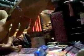 Videos mulheres fazendo dexenhos nos pelos da buceta