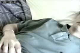 Baixar video porno celular massagem lesbica