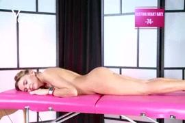 X vídeos porno.com mulher fazendo sexo com cachorro gigante