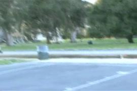 Baixa vídeo de menina batendo sirilica