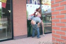 Download vídeo de mulher dando pro cavalo