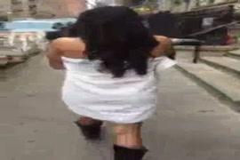Falso massagista comwndo virgem inocebte