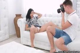Vídeos de mulher abusando de homem dormindo