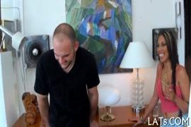 Homem vestido de mulher e dando o cu